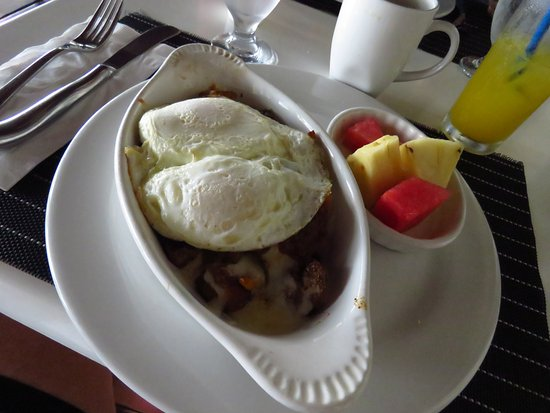 Maya Beach Hotel Bistro: Spicy breakfast potatoes.