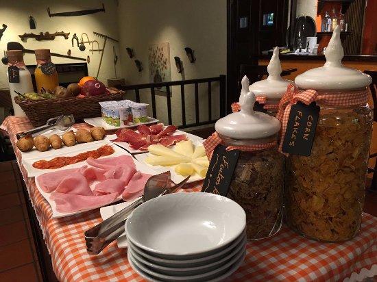Alles, España: Parte de nuestro nuevo desayuno buffet