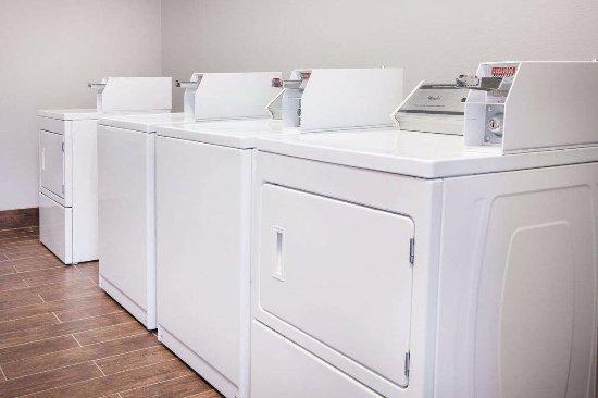 Carthage, TX: Laundry