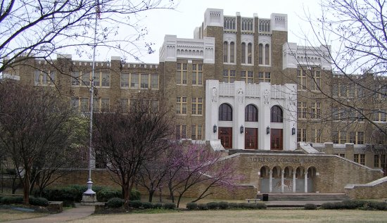 ‪‪Little Rock Central High School‬: The school‬