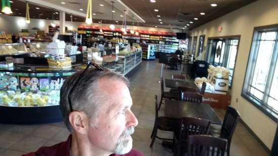 Montrose, Κολοράντο: Inside Russell Stover on 4/6/17. The fancy stuff is in cases in photo. The seconds are in the ba