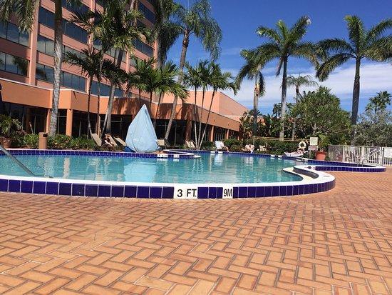 Hilton Palm Beach Airport: photo0.jpg