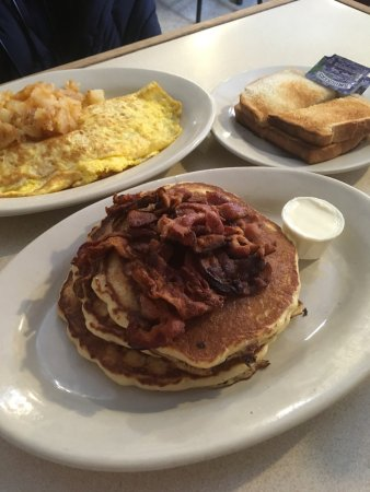Photo of American Restaurant la bonbonniere at 28 8th Ave, New York City, NY 10014, United States