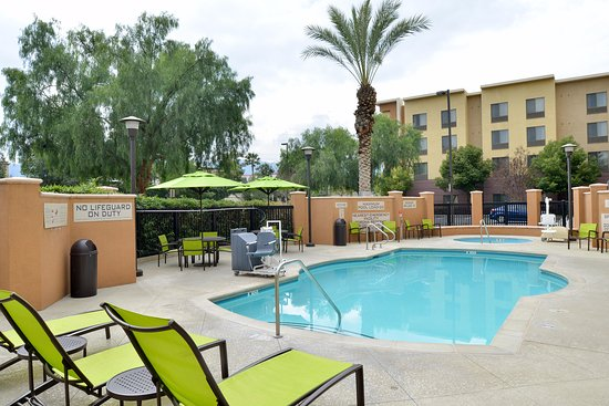 SpringHill Suites Corona Riverside: Swim or relax in our outdoor pool and whirlpool.