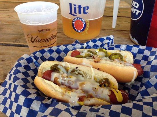 Brandon, Миссисипи: Loaded Hot Dogs