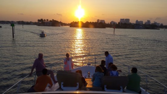 Coastal Yacht Tours: Watching the sunset