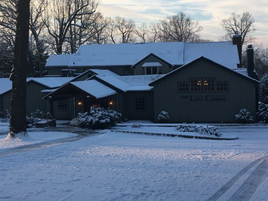 Leola, PA: Winter wonderland at Log Cabin