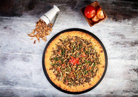 Salvator's Pizza: Pizza Arabe