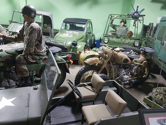 Норт-Майами, Флорида: partie militaire