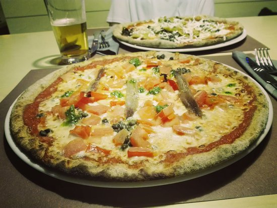 Pizza Agrigento - Picture of Pizzeria La Terrazza, Montebelluna ...