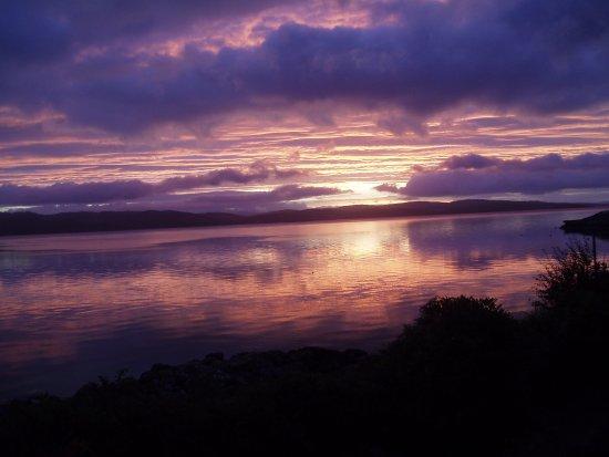 Dunivaig B&B: View of Sunrise