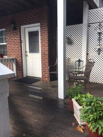 เลกลัวร์, นอร์ทแคโรไลนา: my private terrace. I love the 2nd floor deck for sun set wine!