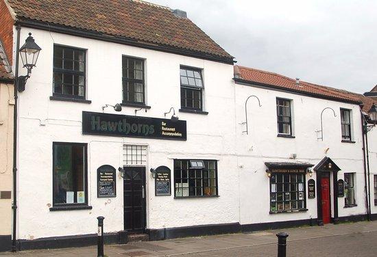Hawthorns Hotel, Bar and Restaurant: Hawthorns frontage