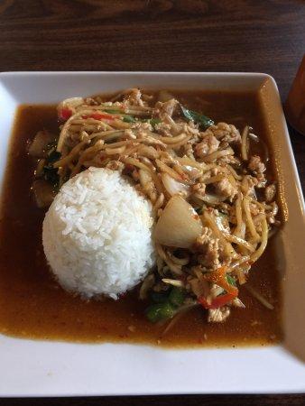 Deer Park, WA: Chicken Thai Basil