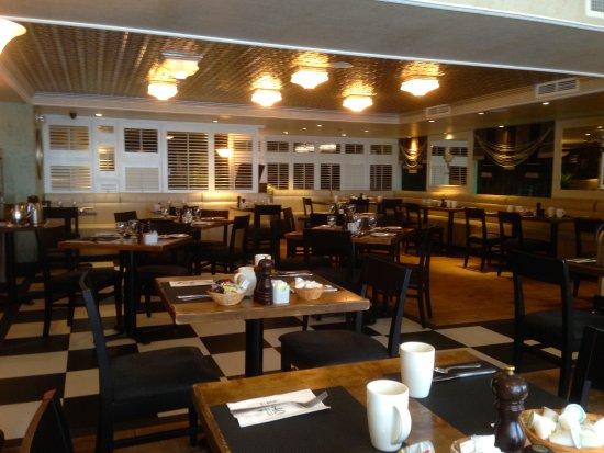 Restaurant 1640 Interior Design 1