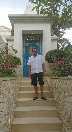 The Royal Santrian, Luxury Beach Villas Photo