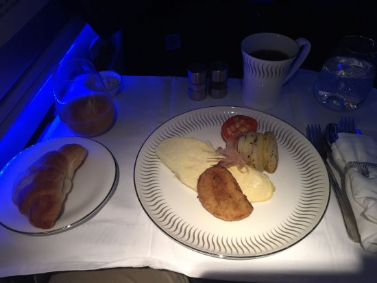 Jet Airways [no longer operating]: Business class breakfast