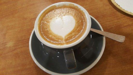 barista kaffee hochwertige handwerklich hergestellte backwaren bild fr n georg brot. Black Bedroom Furniture Sets. Home Design Ideas