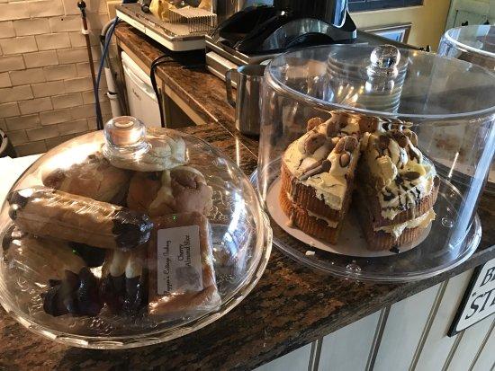 Wirksworth, UK: Scrumptious cake