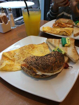 Omelette Cafe Hours