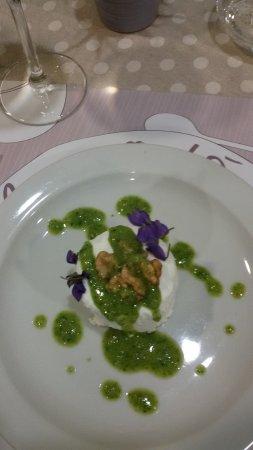 Trattoria Fricando Cuneo: Bacio di capra alle violette