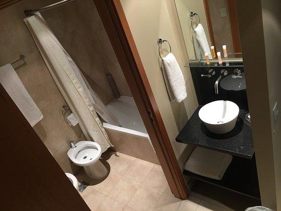 Palermo Place by P Hotels: Excelente localización y todo muy nuevo, pero gimnasio es demasiado fraco y sin desayuno