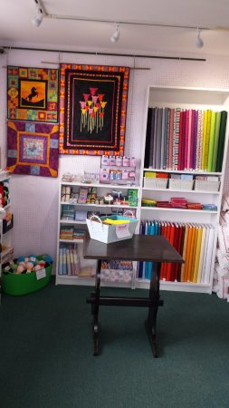 Aberchalder, UK: Patchwork, quilting, knitting & crochet supplies