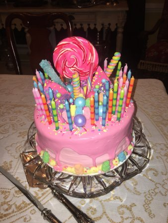Charleston, Wirginia Zachodnia: Sarah understood & captured everything our Daughter wanted in her dream Birthday cake & it was a