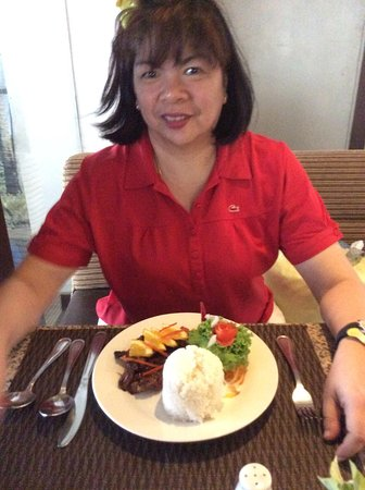 Fersal Hotel - Puerto Princesa: Hotel menus were affordable and with a vast choice of foods.