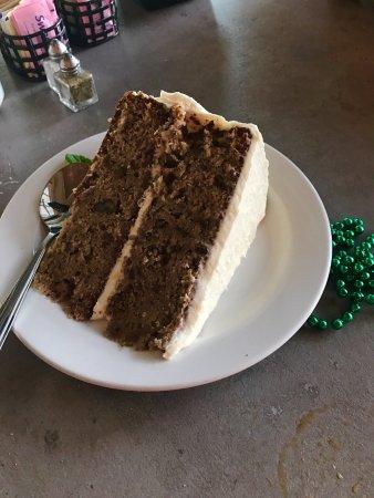 Gainesville, VA: Hummingbird cake-outstanding!