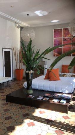 Nassau Suite Hotel: Hermosa recepcion