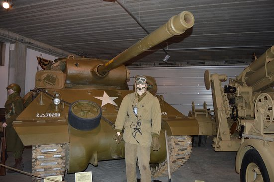 Normandy Tank Museum : Tracked Vehicle