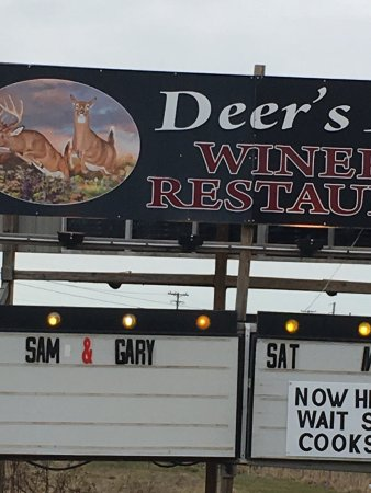Geneva, OH: Deers Leap Winery