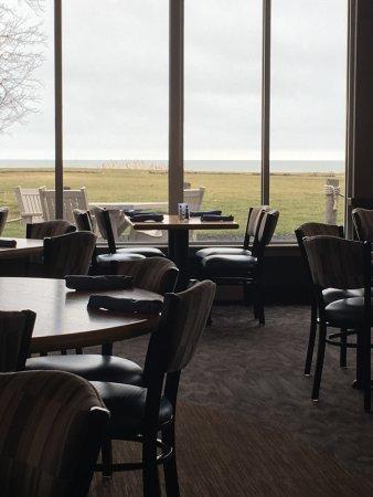 Horizons Restaurant & Lounge