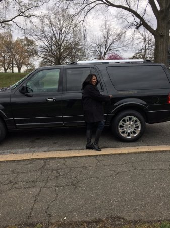 Signature Tours of Washington, D.C. : Our Suburban for the day!