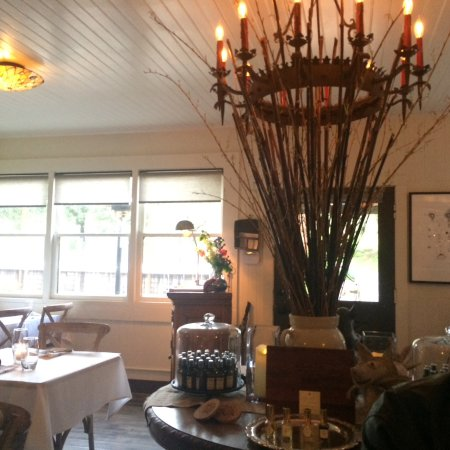 Philo, CA: Classy inside dinning