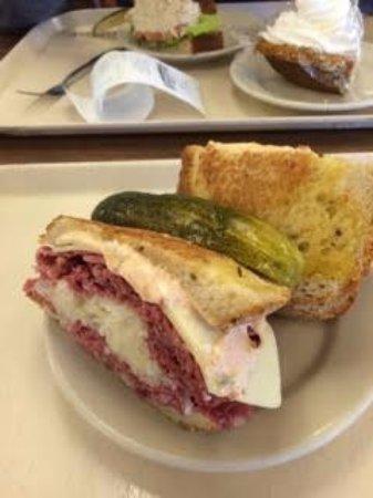 Shapiro's Delicatessen : Reuben, it comes with a pickle
