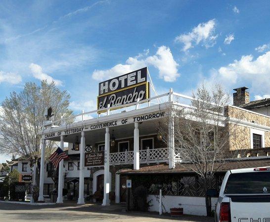 El Rancho Hotel & Motel: 20170320_170016_large.jpg