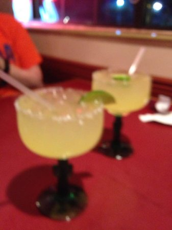 Storm Lake, IA: Margarritas on the rocks!