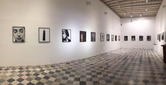 """Museo Histórico de Cartagena de Indias: Una sala con una exposición por tiempo limitado con temática """"mujer"""""""