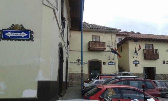 Mamma Cusco Hostel: Esquinas de Choquechaca con Tullumayo y Ruinas - Al medio Alabado - San Blas - Cusco