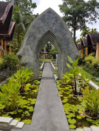 The Village Resort and Spa: spa entrance