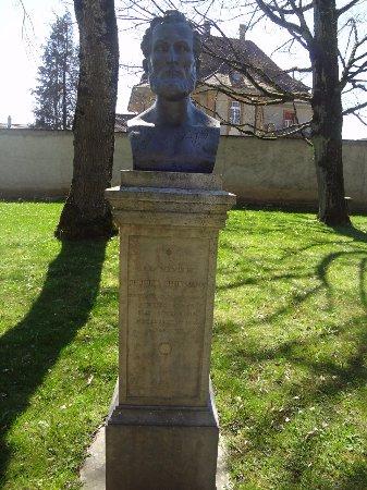 Jardin botanique Porrentruy (statue Jules Thurmann)