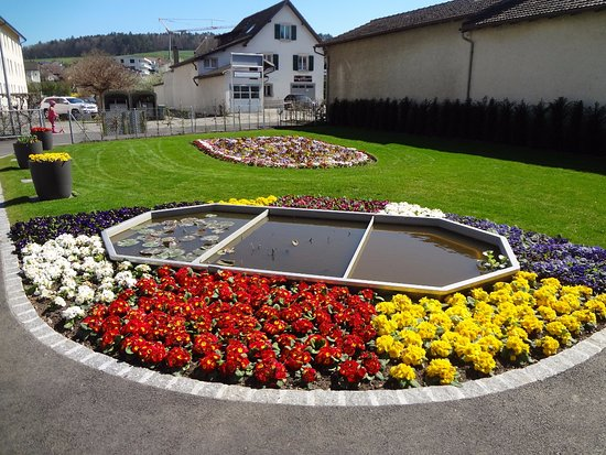 Porrentruy, Switzerland: Jardin des serres (Route de Fontenais)