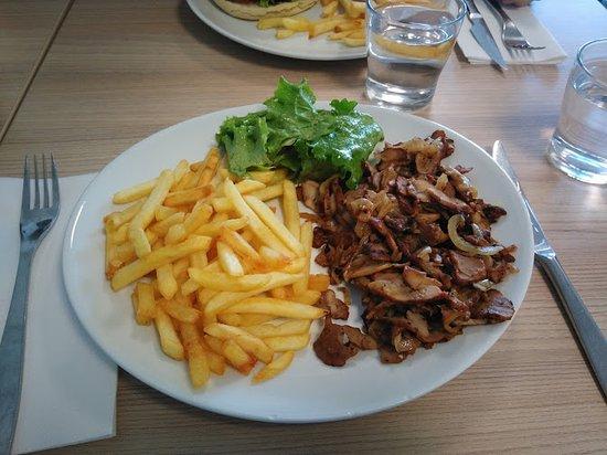 Herbignac, France: Assiette Kebab