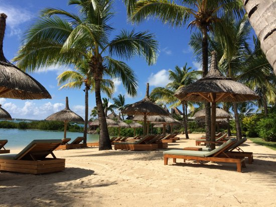 Four Seasons Resort Mauritius at Anahita: The beach