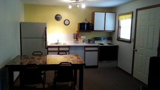 Harpers Valley Resort: Kitchen area in our Basic 2 Bedroom