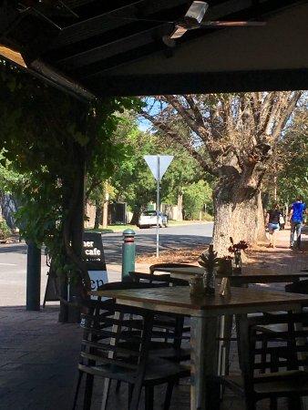 Corner Store Cafe: Corner Store - outside seating