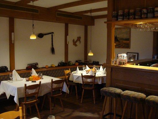 Bad Elster, Γερμανία: Restaurant mit Stammtisch rechts in der Ecke