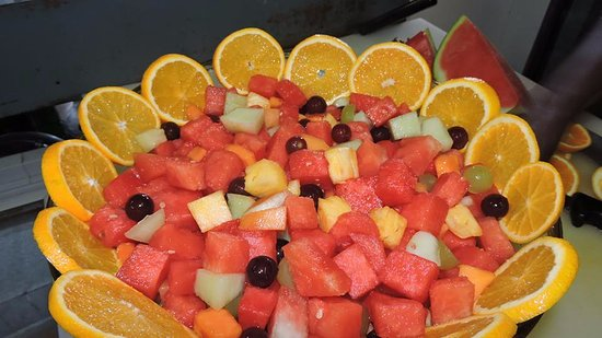 Regal Restaurant: Healthy and Fresh fruit salad